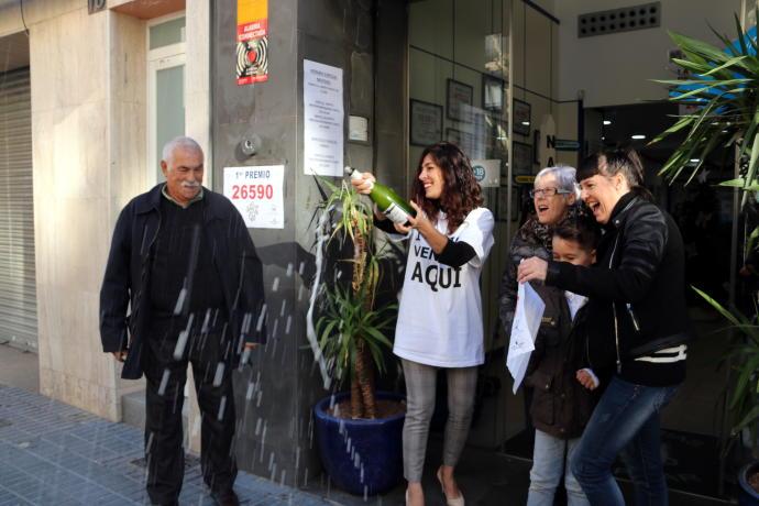 El sorteig de la Loteria de Nadal rega Catalunya amb milions d'euros